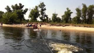 видео Как кататься на водных лыжах