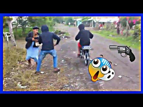 El Atracador VS La Abuela Ganster OMG