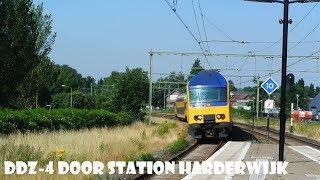 DDZ 7522 komt door station Harderwijk