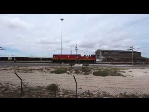 TRANSNET freight rail - Electrics: 2016 01 06 12h32 Class 15E 15 032 at Salkor loco depot
