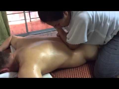 สอนนวดน้ำมัน นวดสปอร์ต สอนนวดน้ำมันนักกีฬา Sport massage #back massage by teacher Fon