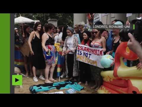 Manifestation contre l'interdiction du burkini près de l'ambassade de France à Londres