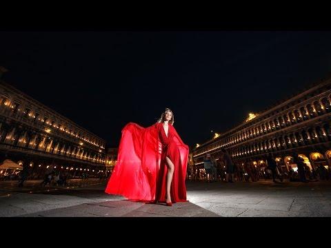Amazing bridal portrait! Night shoot in Venice, Italy