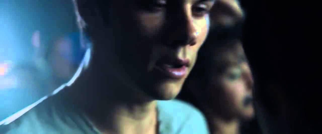 Thomas and brenda/teresa kiss - YouTube