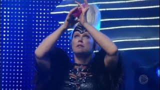 Xuxa encerra show especial com 'Lua de Cristal' e fãs se emocionam