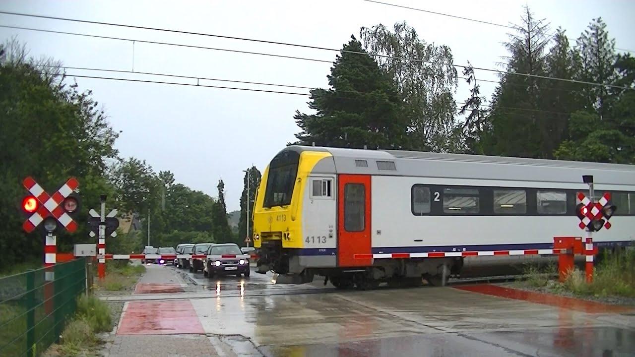 Spoorwegovergang Heusden-Zolder (B) // Railroad crossing // Passage à niveau