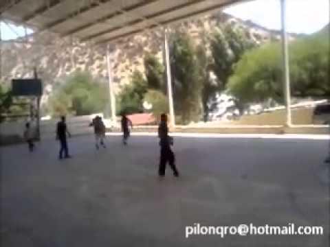 Jugando basquetbol en *EL PILÓN PEÑAMILLER* 2014