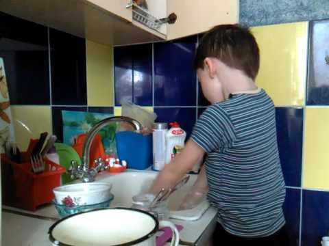 Любимое занятие-мытье посуды