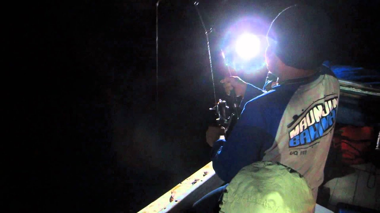 Mancing Malam Ma. Badak (Night Fishing with GT Man) - YouTubeBadak Laut