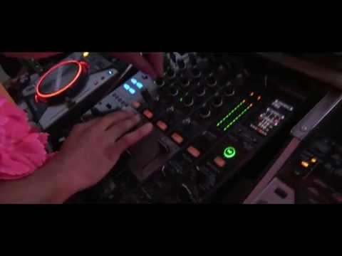DJ Sunny  / Dj Biso Party Marian Village 2014