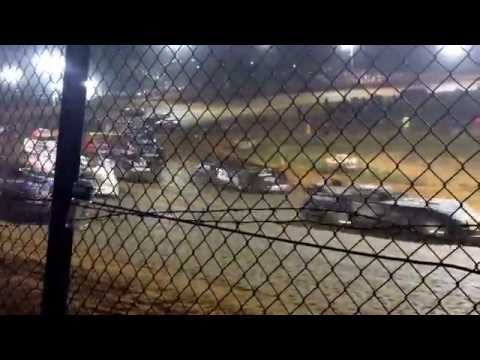 4 wide before the start of the 10,000 to win world of outlaw late models ponderosa speedway