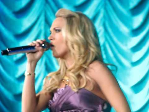 Carrie Underwood - 9 to 5 - Portland