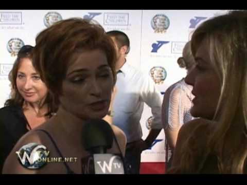 "Carolyn Hennesy ""Cougar Town"" World Magic Awards"