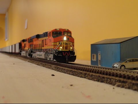 Building the HO BNSF Plains Division – PART 13b: Trains on the upper level!