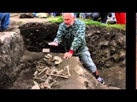 Desentierran los restos de un «vampiro» en Bulgaria