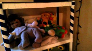 decorate DIY kids shelves Thumbnail