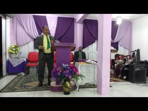 Pastor Cristiano de Jesus. Continua cavando poços