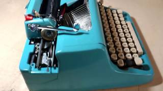 ROYAL typewriter QUIET DE LUXE 1957