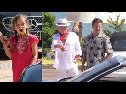 Rod Stewart Enjoys Lunch With Sean, Kimberly, And Granddaughter Delilah