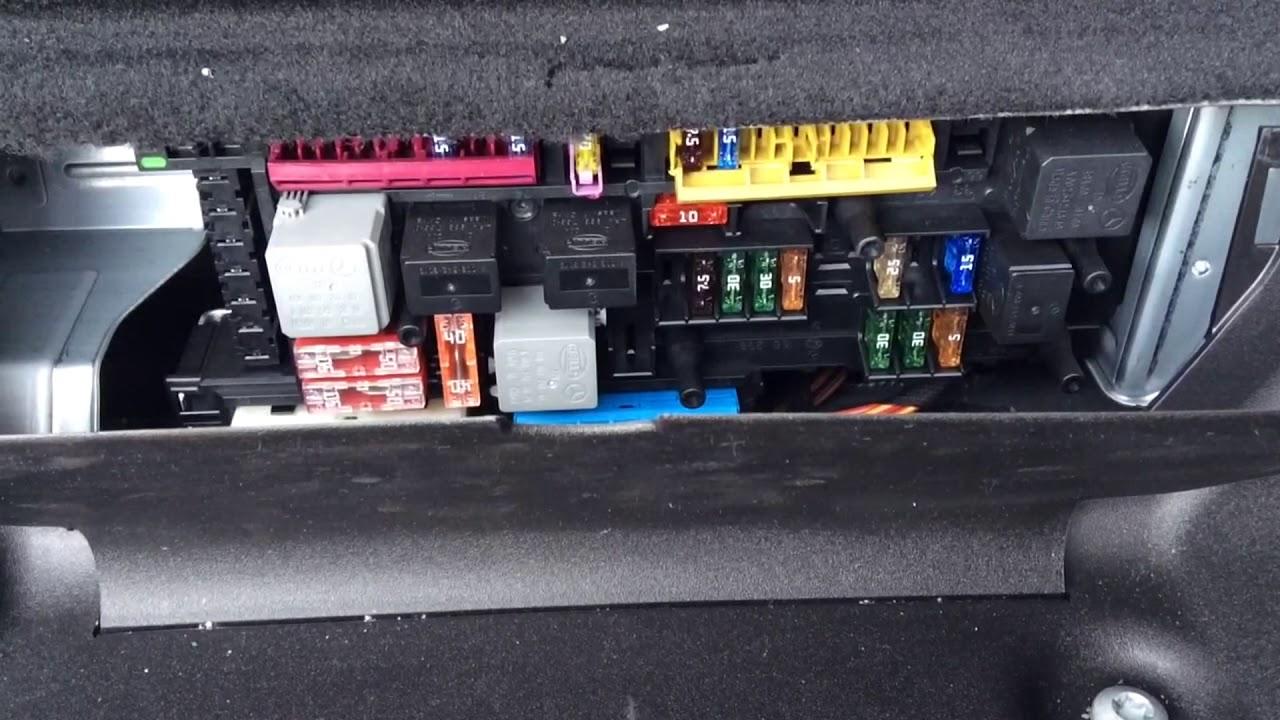 Mercedes Benz Glk X204 Front 12v Outlet Fuse Location