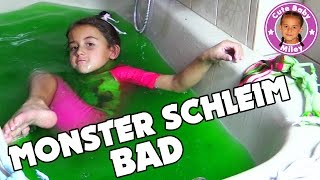 MONSTER SCHLEIM BAD | Miley badet Glibbi Slime Monster High Puppen | CuteBabyMiley