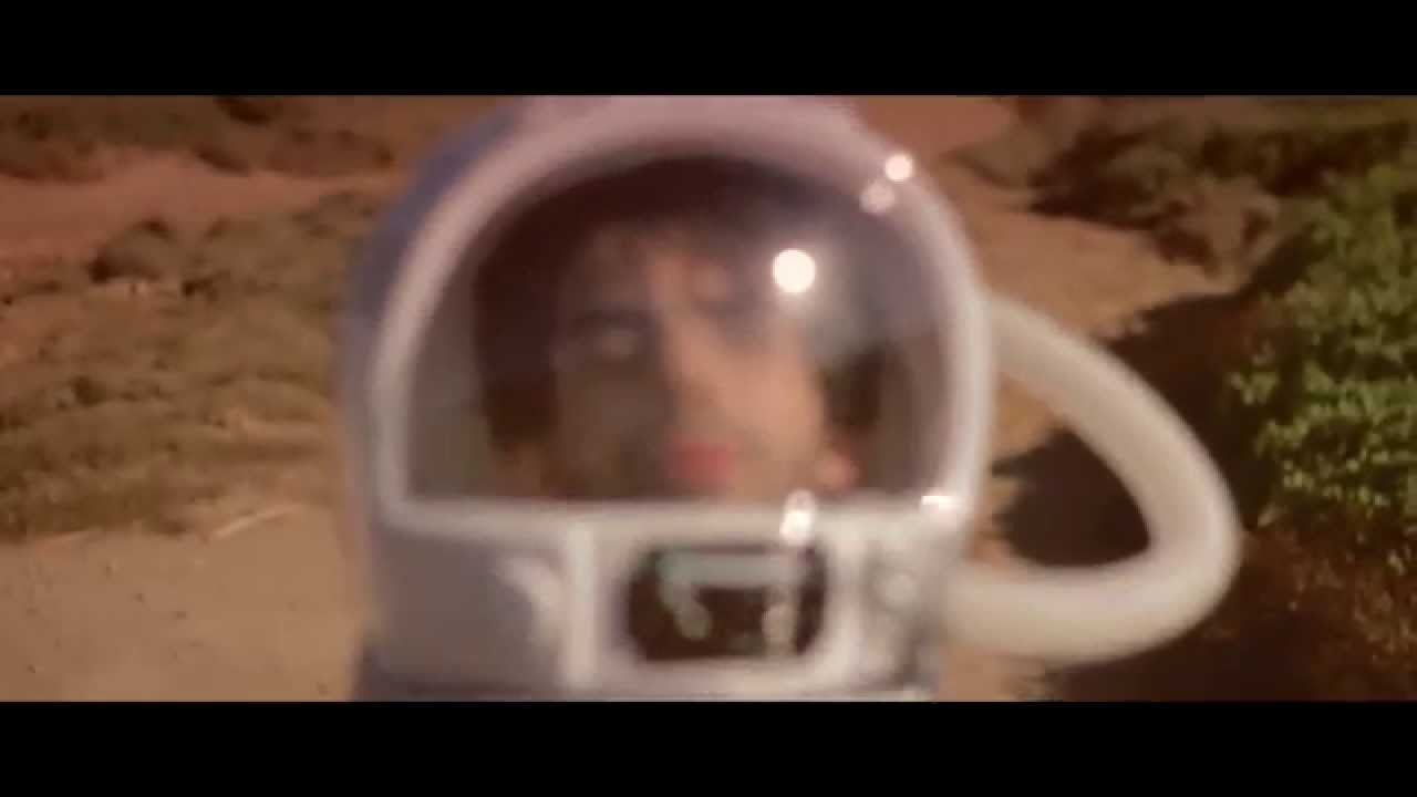 CAMBERRA - COSMONAUTA - ( Official Videoclip )