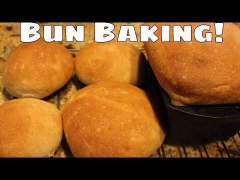 ~making-hamburger-buns-with-linda's-pantry~