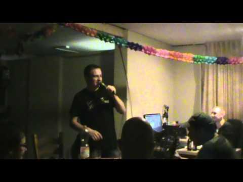 Danny zingt Pizza Calzone