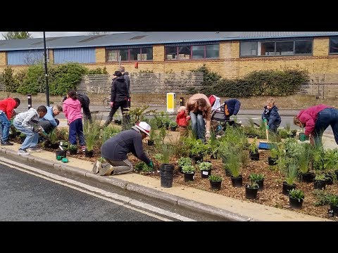 Community sustainable drainage system projects on the River Wandle