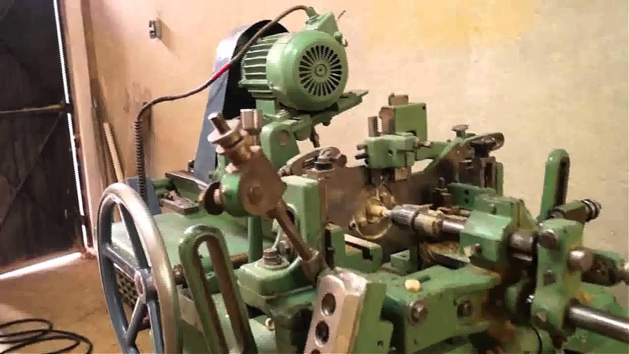 Torno minutero de alta produccin  Maquinas para madera