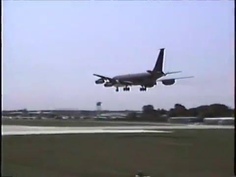 Douglas A-3 Skywarrior, KC-135E, Lockheed Constellation landing NAS Glenview 1991