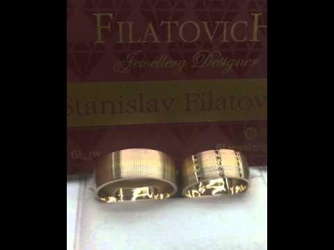 Эксклюзивные обручальные кольца с цветными бриллиантами