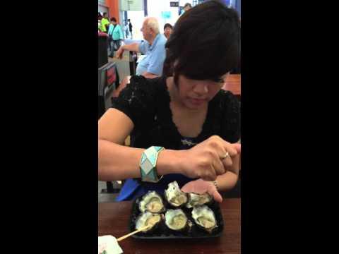 Mama Mecca mamam fresh oyster mentah