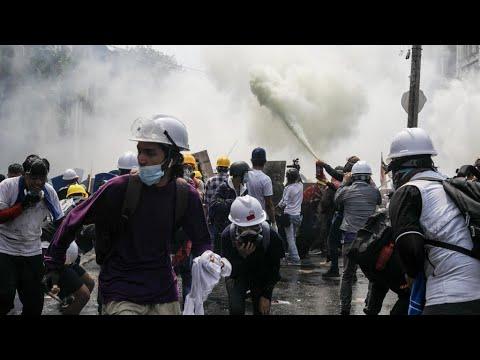 بورما: مقتل سبعة متظاهرين على الأقل برصاص قوات الأمن خلال احتجاجات على الانقلاب العسكري  - 11:59-2021 / 3 / 3