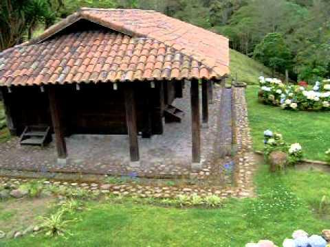 Casa de tejas youtube - Casas rurales de madera ...