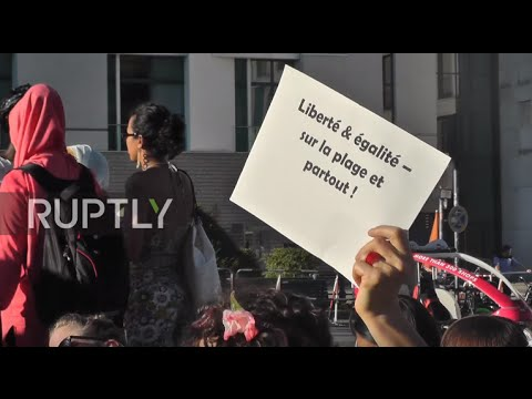 Germany: 'Burkini' ban protesters gather outside French embassy in Berlin