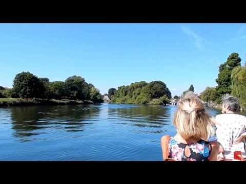 Boat trip on the river Thames from Richmond to Kingston