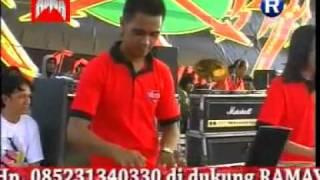 ngaca dulu Ratna Antika MONATA live lowayu, Rotor Duwe Gawe.flv
