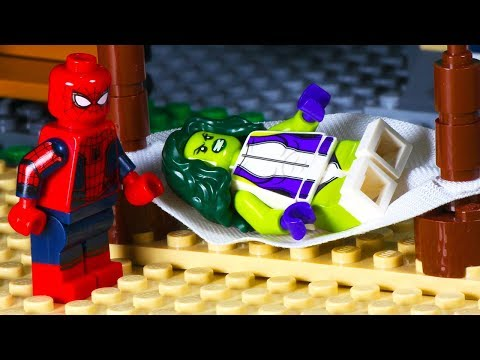 Lego Spiderman Shark Attack - Beach Party