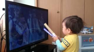 休日の朝起きて子供番組を見終わった息子が 次にリクエストするのは決ま...