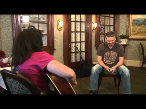 "Lisa plays ""I'll Be"" for Edwin McCain after On Canvas interview"