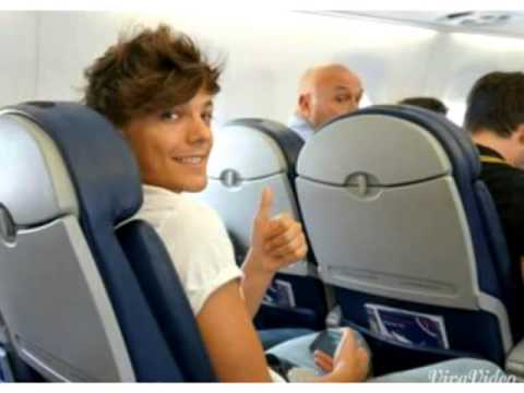One Direction in the airport and plane