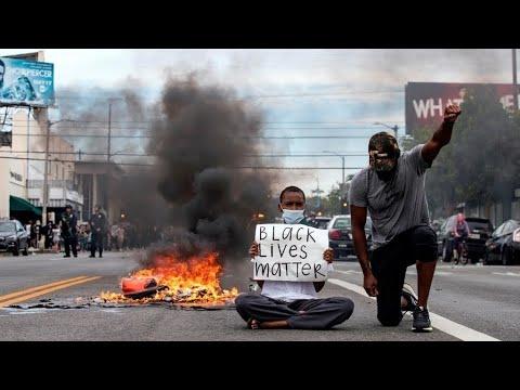 الولايات المتحدة: موقع مقتل جورج فلويد يتحول إلى ساحة نقاش مفتوح ومنبر للمطالبة بالعدالة  - نشر قبل 2 ساعة