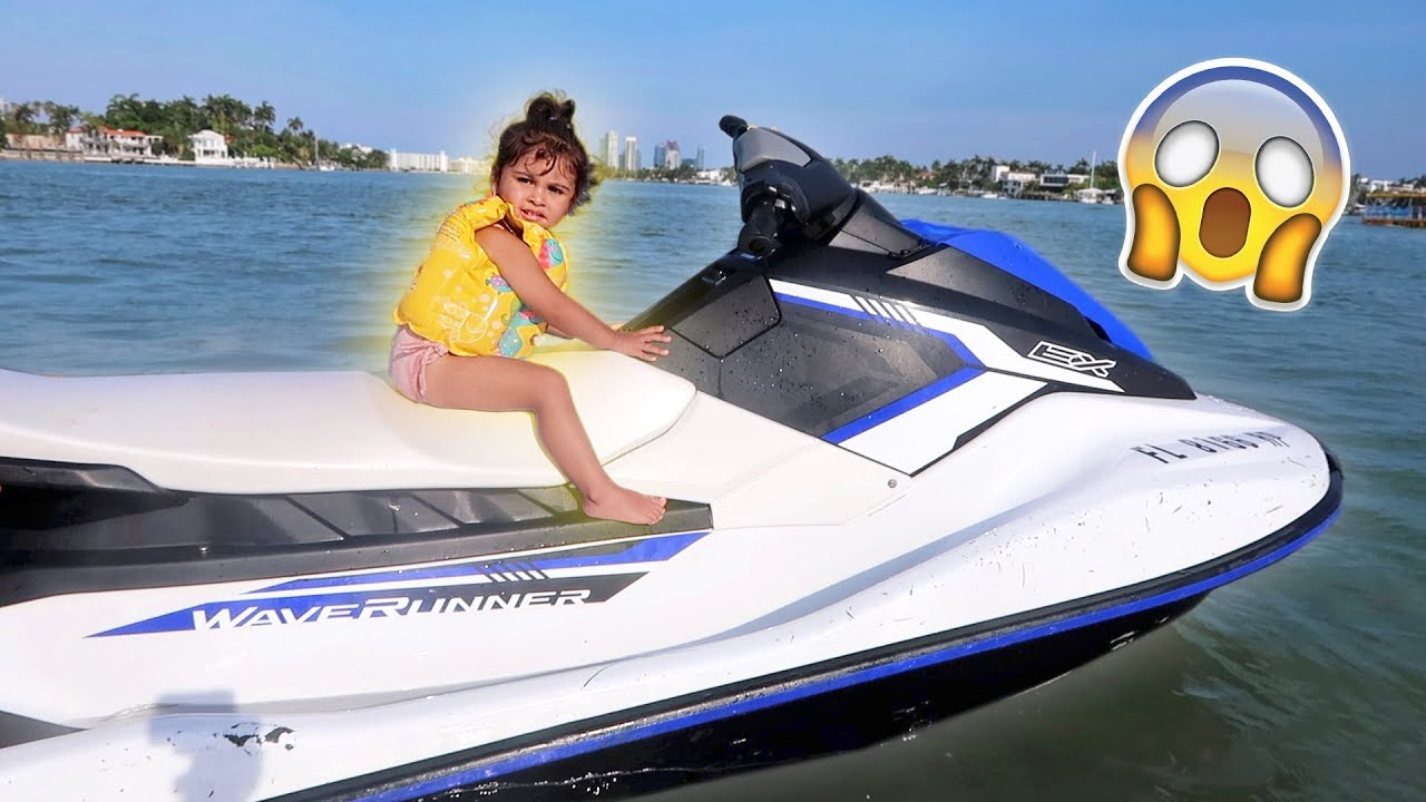elle-rides-a-jet-ski-for-the-first-time-only-two-years-old