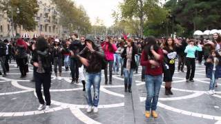 �������� ���� MADAGASCAR Flashmob in Baku | FLASHMOB Azerbaijan | Танец на улицах Баку ������