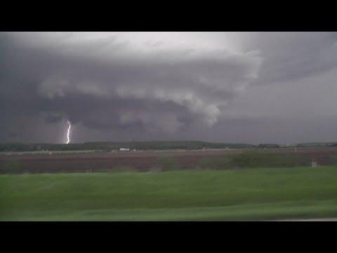 Topeka Kansas tornado.   avi