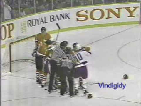 Blackhawks - Leafs scrum 3/19/90