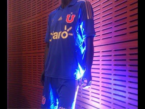 Universidad de Chile presentó nueva camiseta para el Torneo Nacional 2013-2014