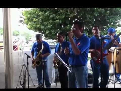 Grupo musical mas kumbia rosa blanca en vivo youtube for Blanca romero grupo musical