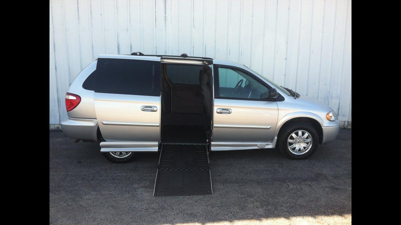 2006 Chrysler Handicap Van Great Conditon Low Miles Rochester NY Buffalo Syracsuse